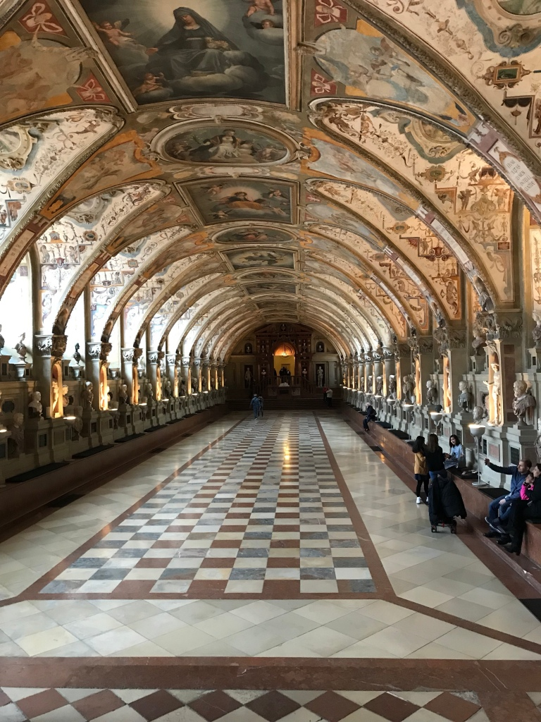 A grand hallway at the Palace. A hall to display the collection of statues.